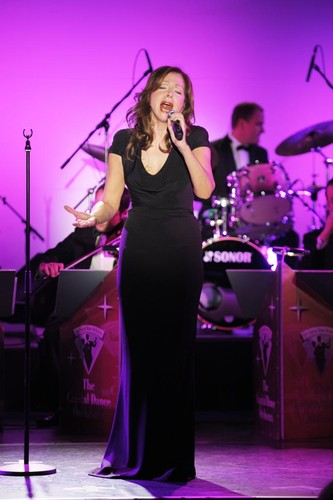 JanWirdeier_Vicky_Leandros-The_Capital_Dance_Orchestra_148-600x500